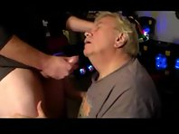 Old gay dad fingering holes featuring a bisex bears in gloryhole.